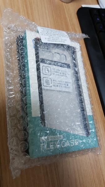 갤럭시 S8 플러스 모드애드온 핏글라스3D 강화유리와 플랙스 케이스 포장